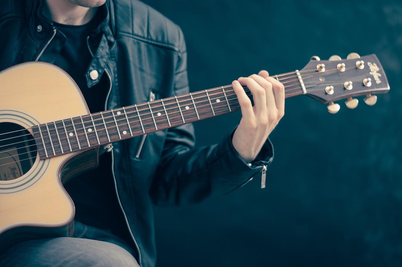 Image: Folk music via Pixabay