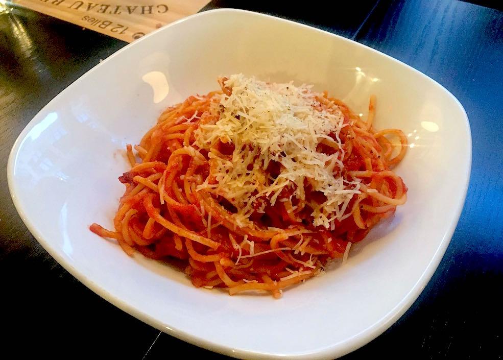 Spaghettoni alla amatricianna (Calgary Buzz)