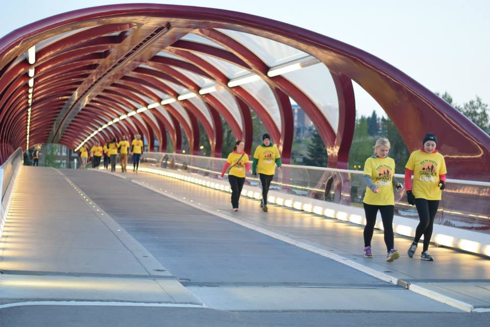image: Darkness into Light Calgary / Facebook