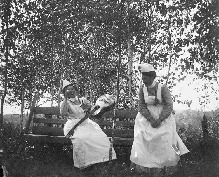 Nurses at old General Hospital / Image: NA-4938-11 / Glenbow Archives