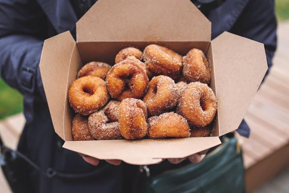 Calgary Mini Donuts - YYCFoodTrucks / Facebook