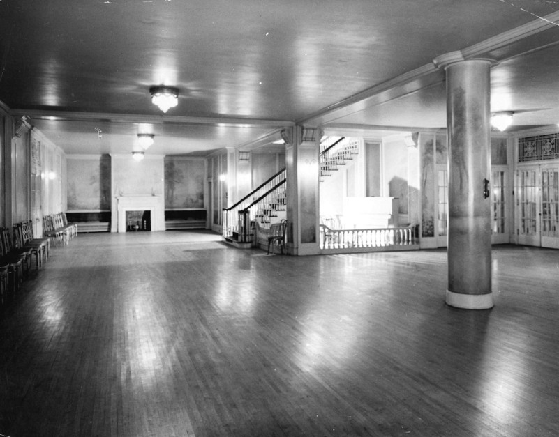 Photo of the Hycroft ballroom in 1942 by Don Coltman, Steffens Colmer via Vancouver Archives