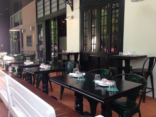homer st cafe patio