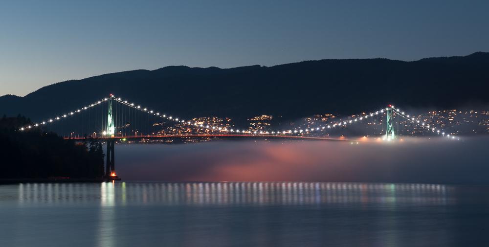 Vancouver Lions Gate Bridge fog