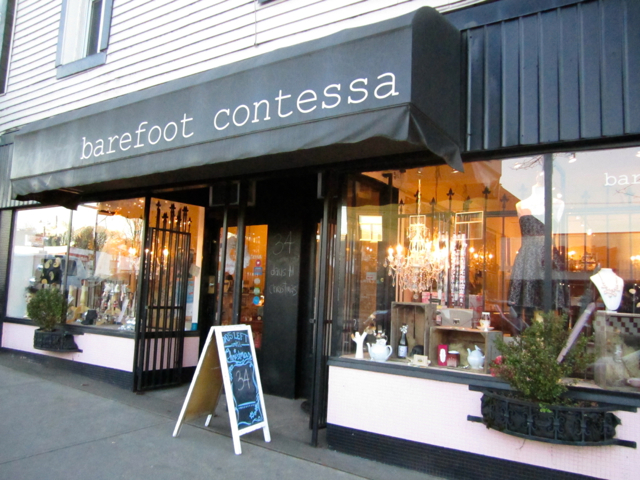 Barefoot Contessa Main Street. Photo by Mana Mansour.