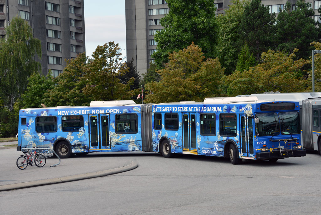 Jelly Invasion Bus Wrap photo 5