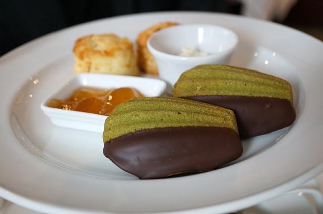 chocolate green tea madeleine