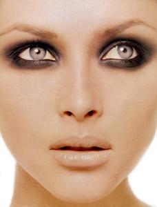messy-smokey-eye-makeup-spring-summer-2011