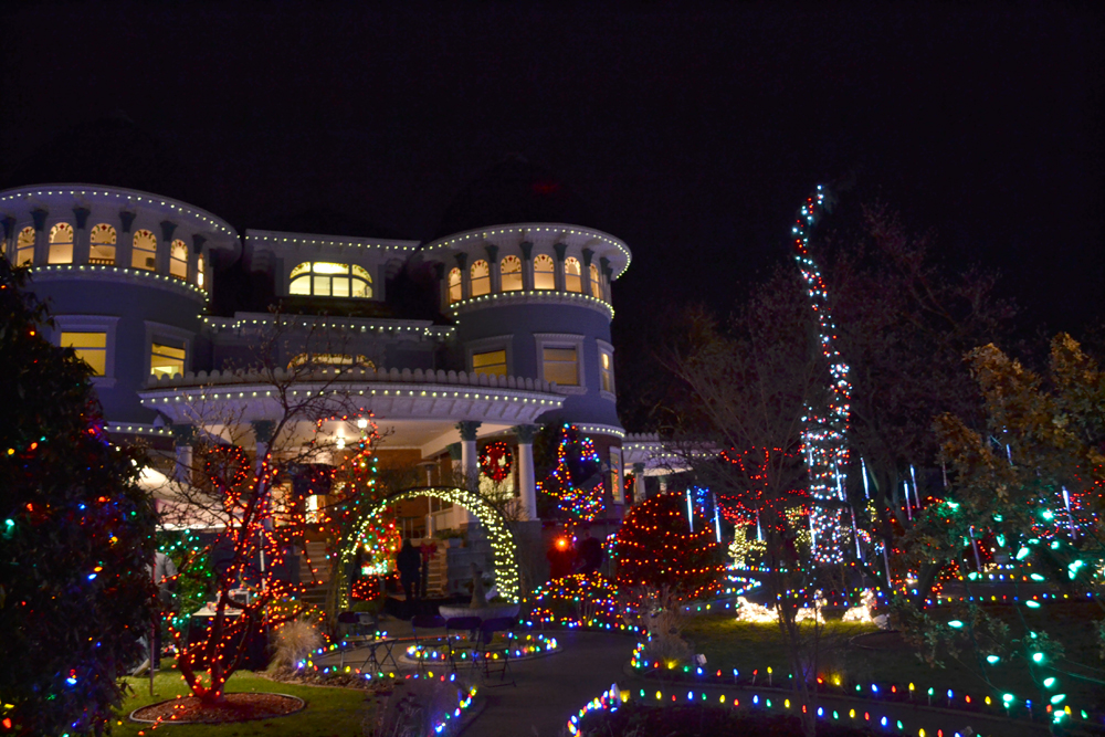 Canuck Place Christmas Lights 2013