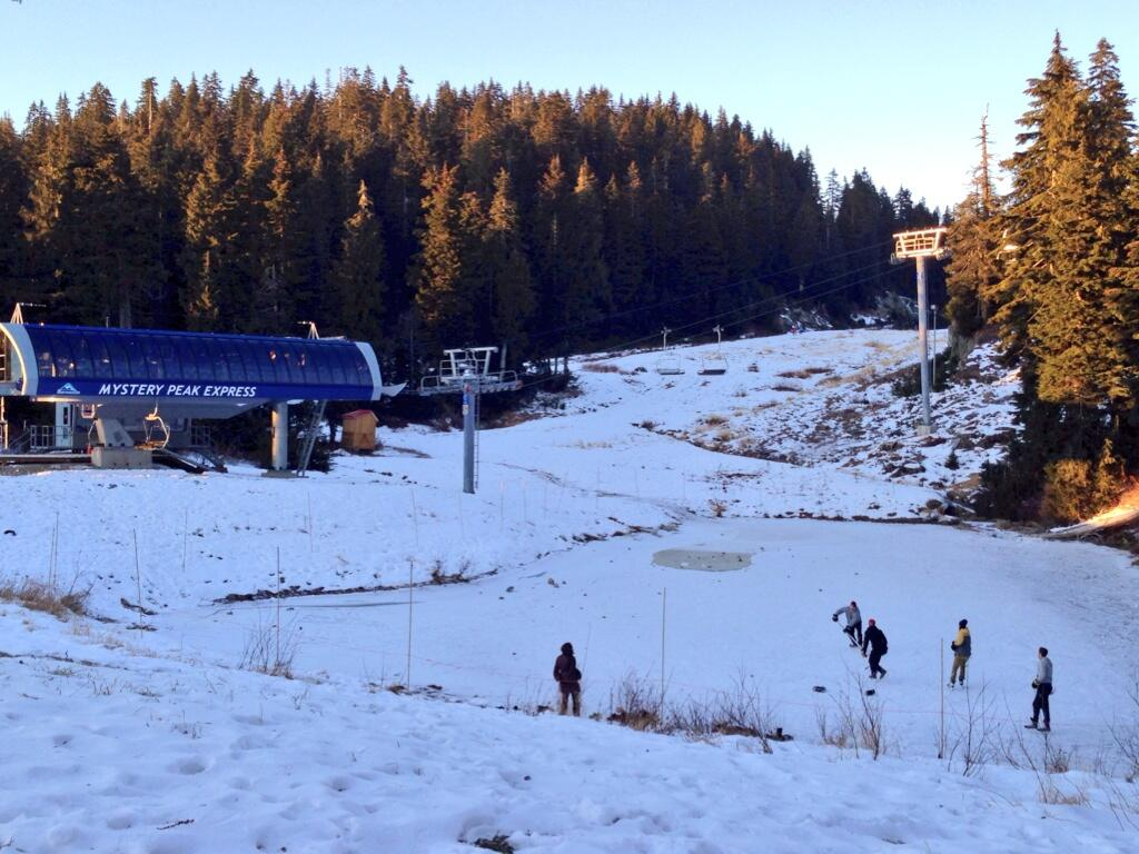 Mount Seymour Pond Hockey - reel_cabin_twitter