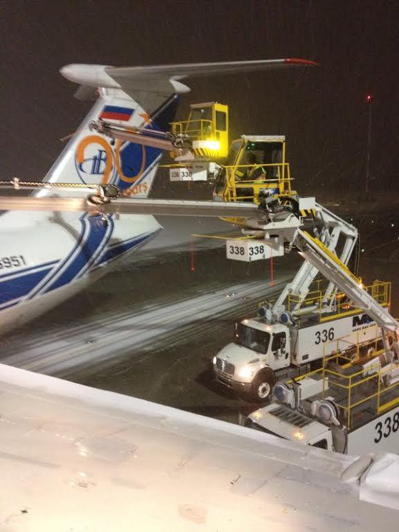 YVR Airport snow de-icing