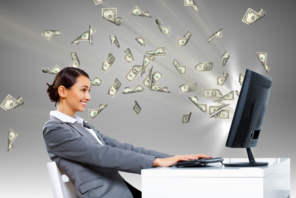 Money computer / Shutterstock