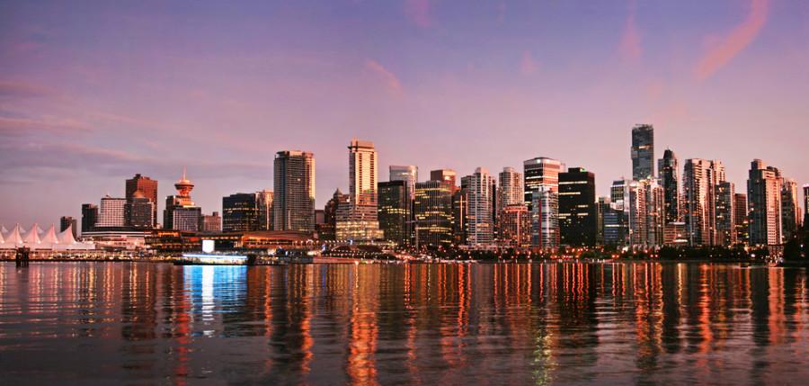 Vancouver skyline / Shutterstock