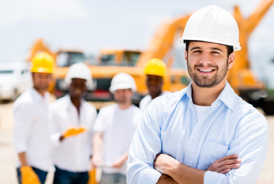 Male construction worker / Shutterstock