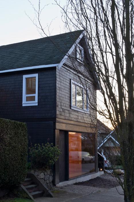 Studio-in-Vancouver-by-Scott-and-Scott-Architects_dezeen_2