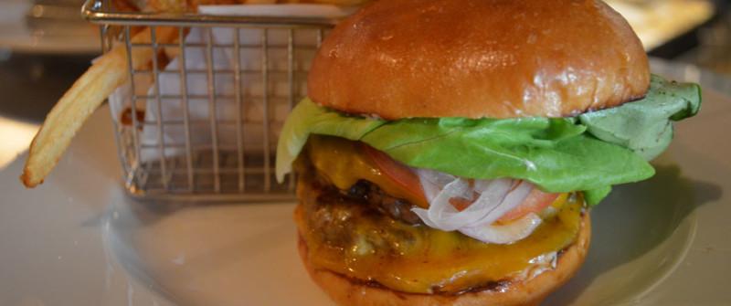 cannibalcafeclassicburger