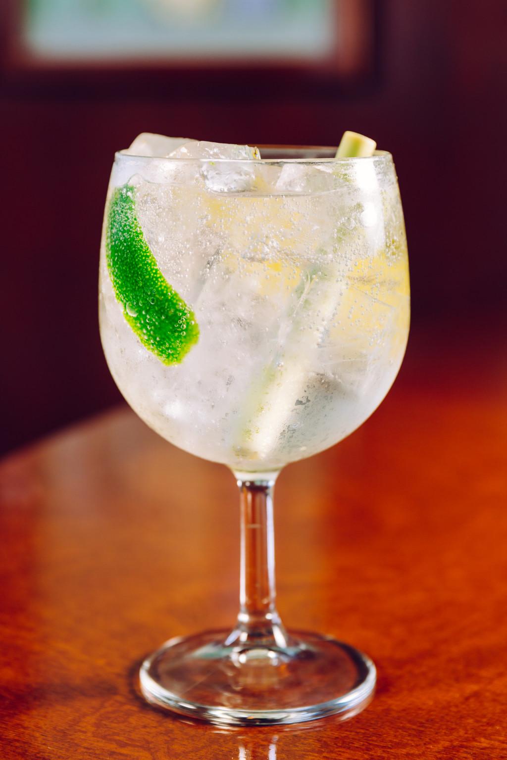 bombay East Gin Tonic