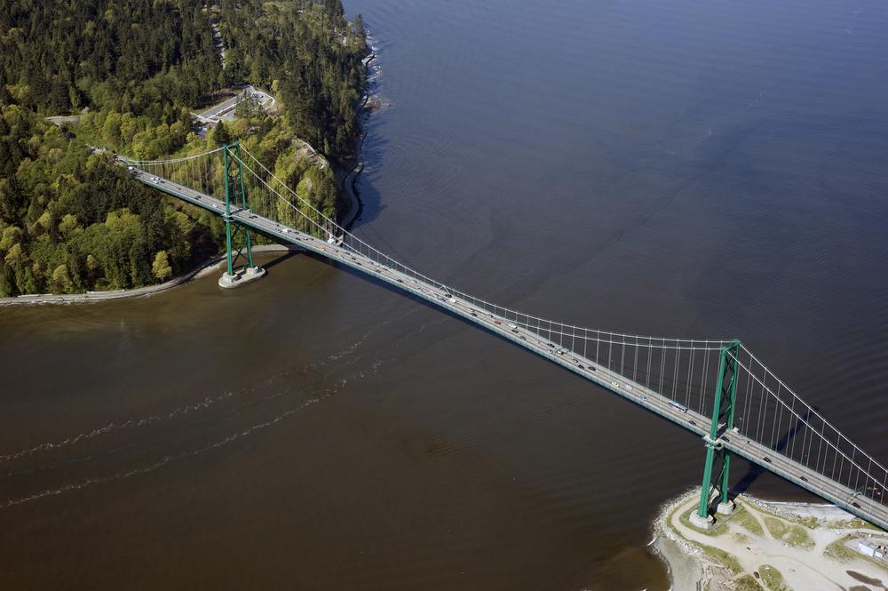 Lions Gate Bridge Stanley Park / Shutterstock