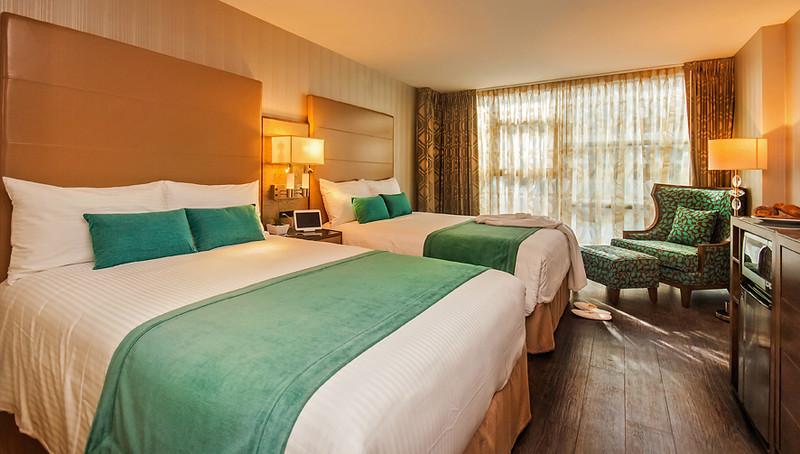 2-queen-bed-hotel-blu