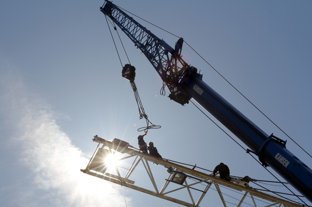 Cadillac Fairview 725 Granville Crane Removal Image 4