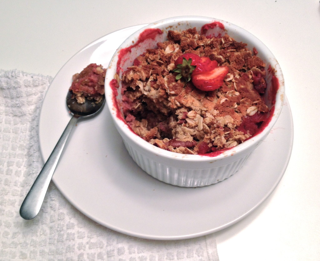 Vegan Strawberry-Rhubarb Crumble