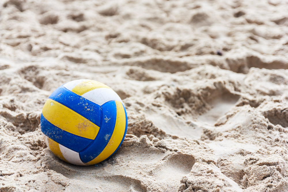 Wisut Boonyasopit / Shutterstock / http://www.shutterstock.com/pic-153123569/stock-photo-volleyball-on-empty-beach-in-twilight.html?src=SK6T70l-BfKk3pTGKhmI1w-1-10