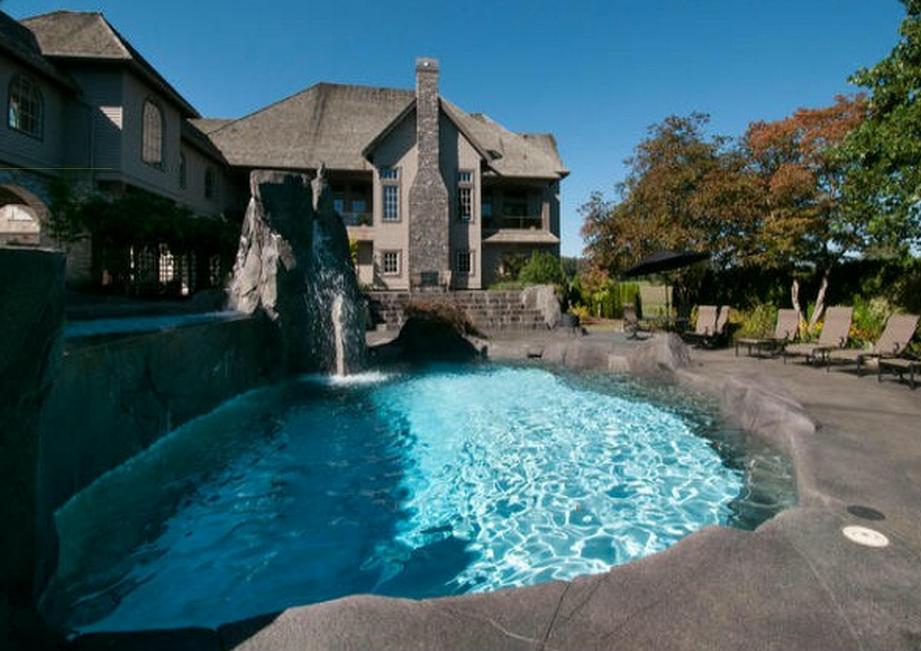 Chad Kroeger abbotsford mansion 14