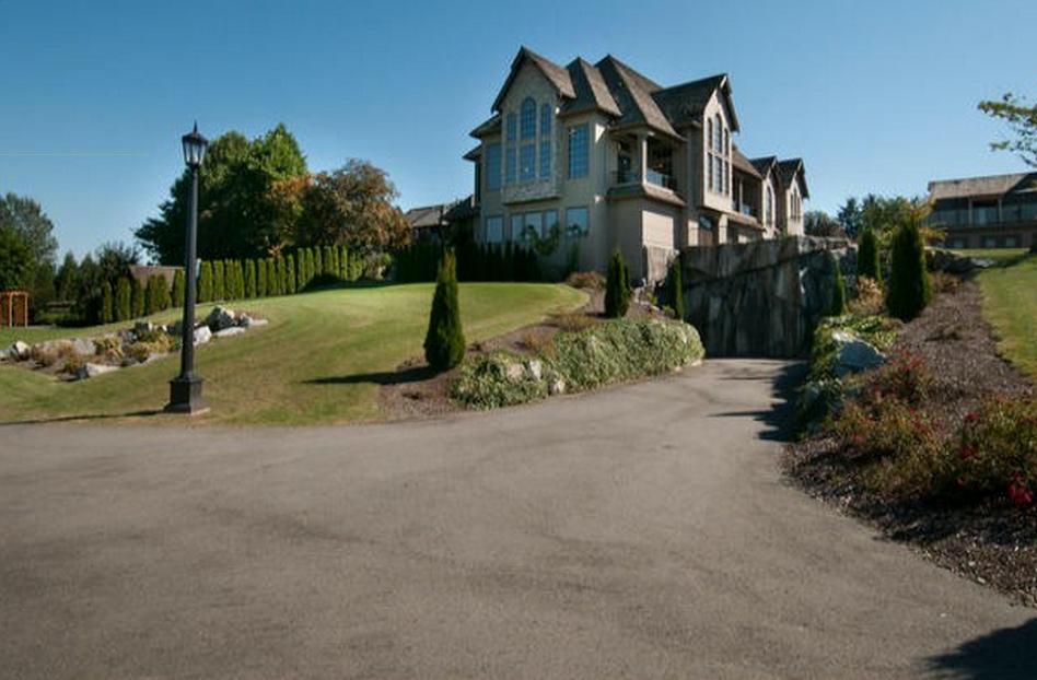 Chad Kroeger abbotsford mansion 20
