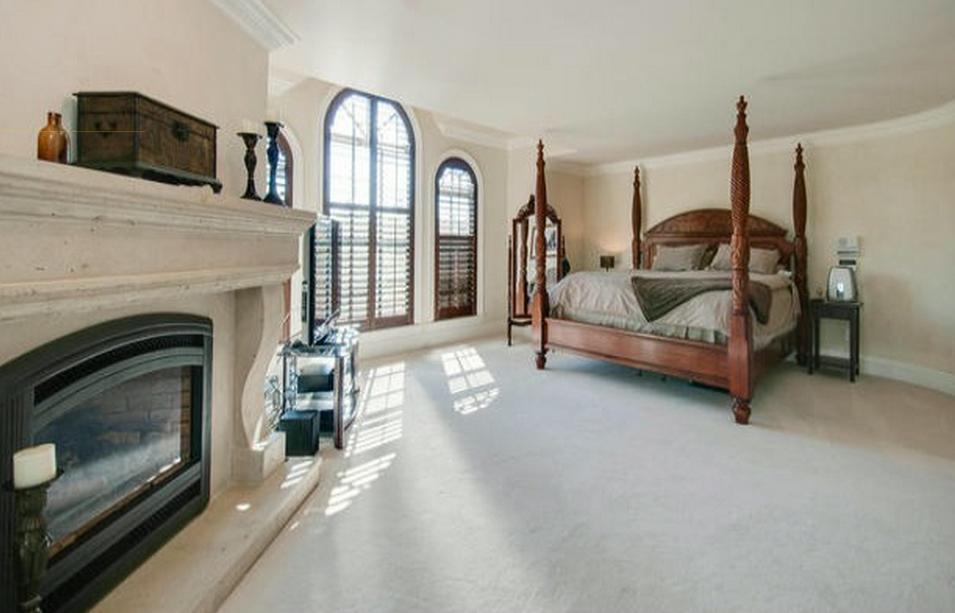 Chad Kroeger abbotsford mansion 8