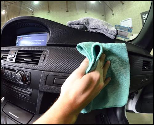 protectant-wipes-car-interior