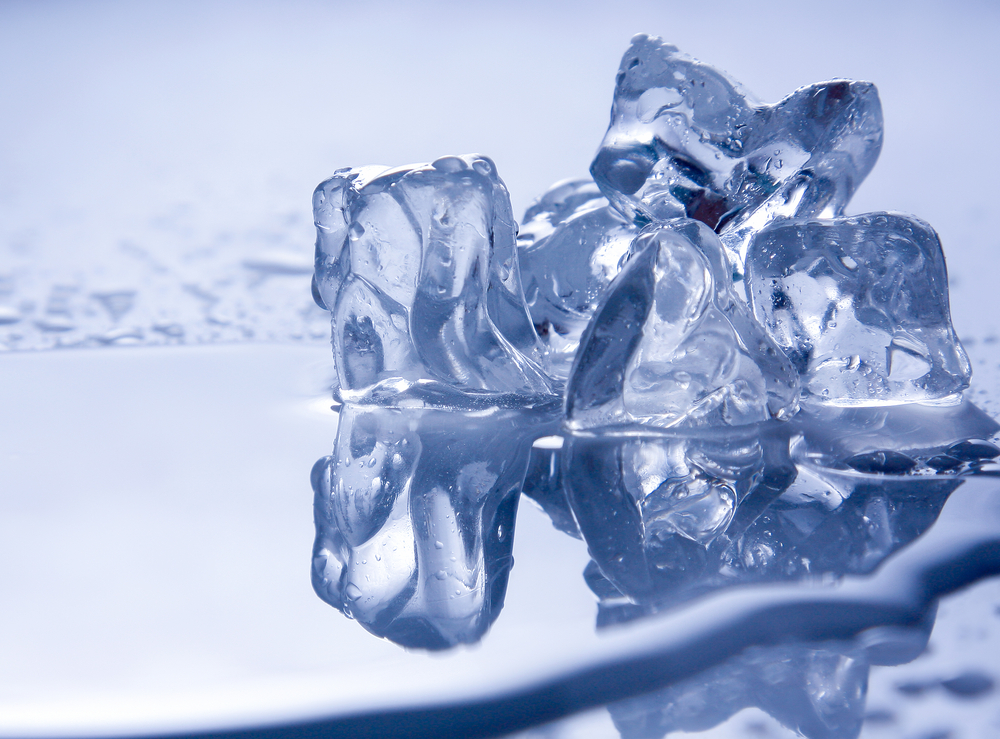 Ice summer heat / shutterstock