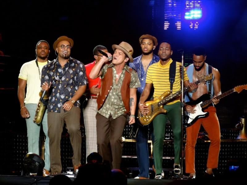 Bruno Mars stuns at Squamish Music Festival