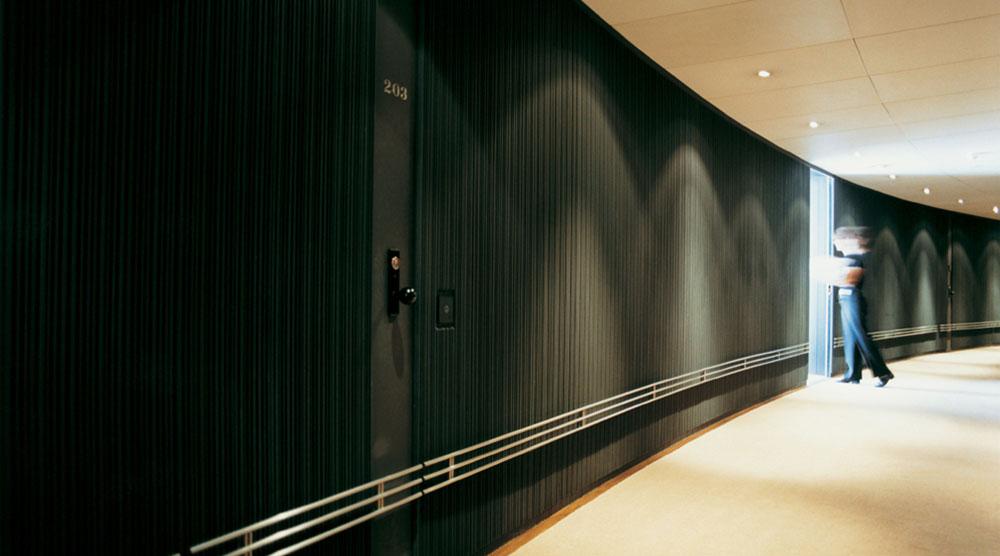 The-Halkin-Hotel-London-Corridor