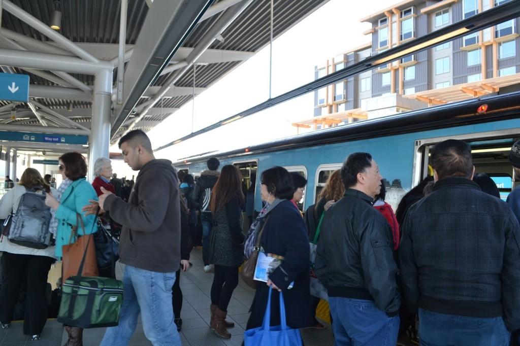 bridgeport station canada line platform