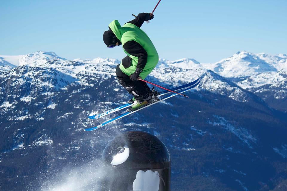 thuggie-skiing-whistler