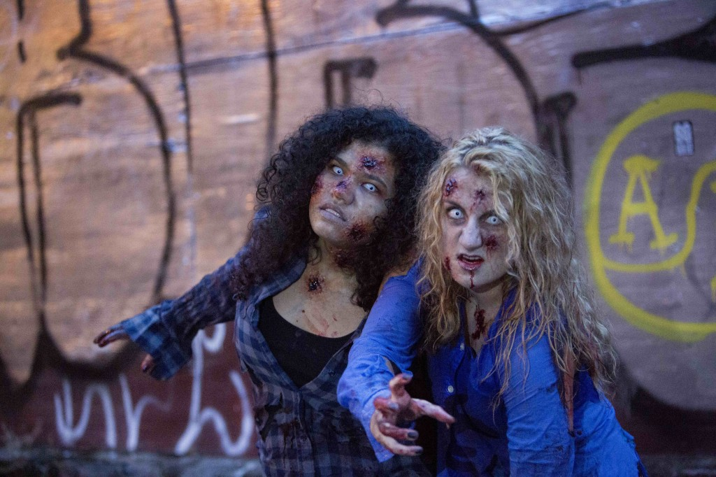 Bettina_Strauss_photo_of_Olivia_Blake_and_Mariah_Layne_Zombies2014-0296