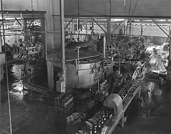 inside-vancouver-brewery-1935