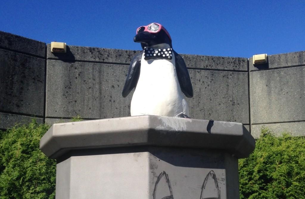 penguin-statue