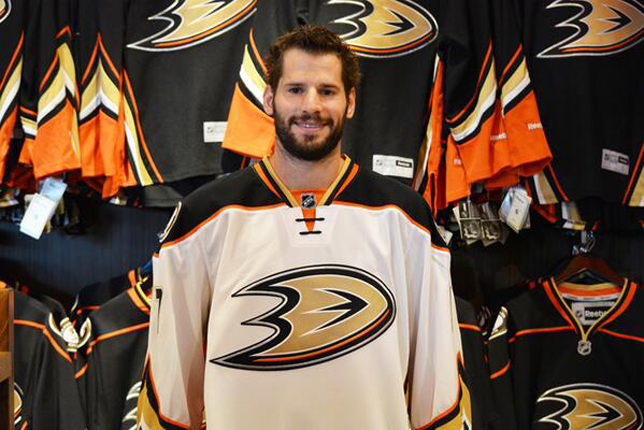 via thehockeynews.com