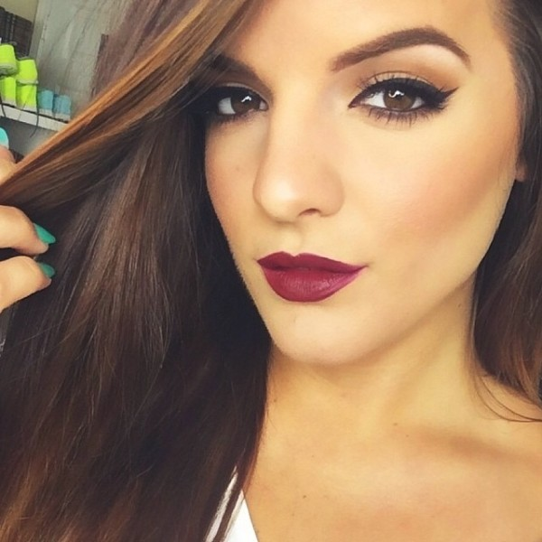 Classic Wing Red Lip