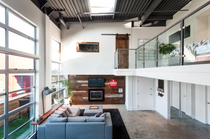 Modern Loft 2