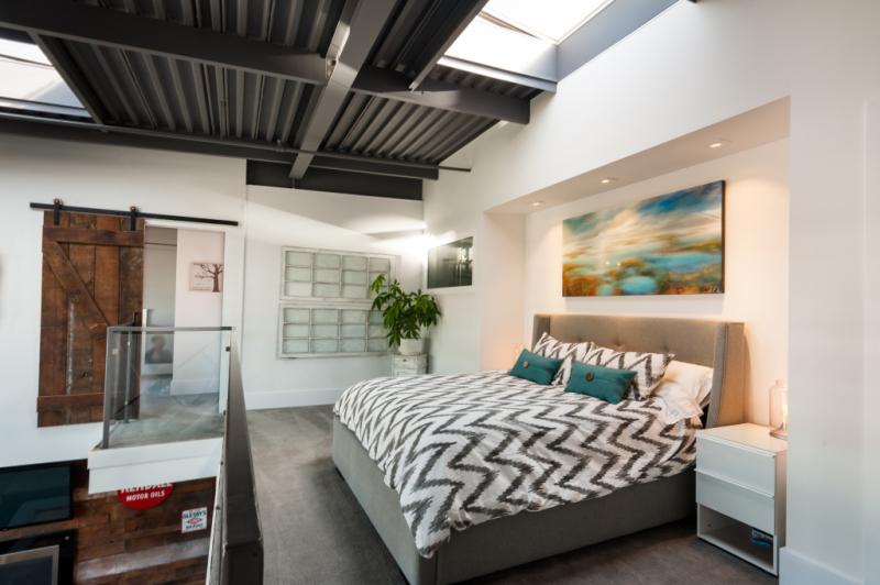 Modern Loft 8