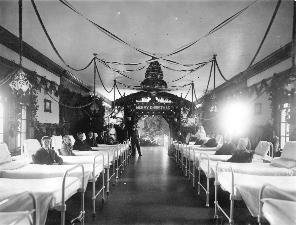 Ward of Shaughnessy Hospital decorated Christmas celebrations, 1920. Photo via Vancouver Archives.