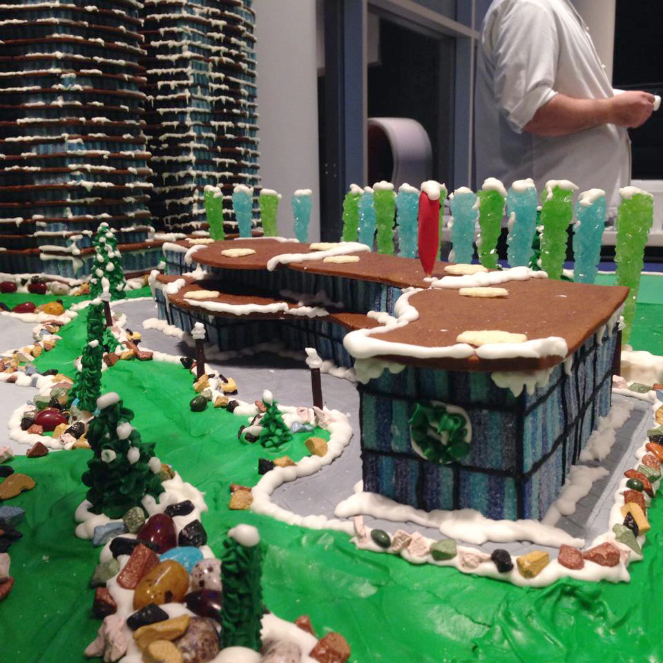 park-avenue-west-gingerbread-house-side