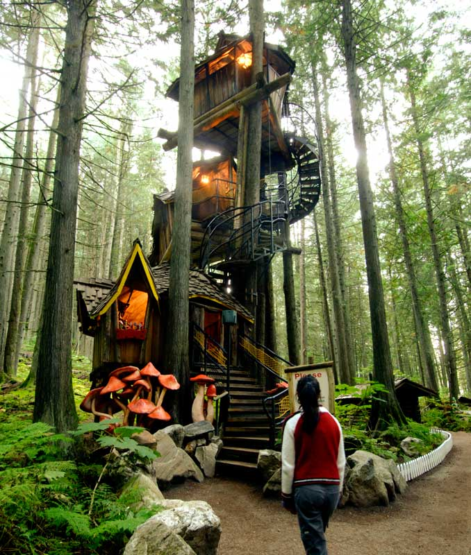15-the-enchanted-forest-bc-attraction-revelstoke