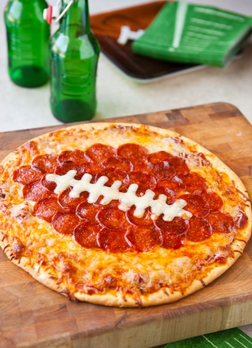football-pizza-1-500x692