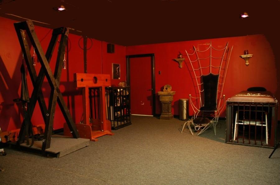 Photo courtesy of bdsmcafe.com