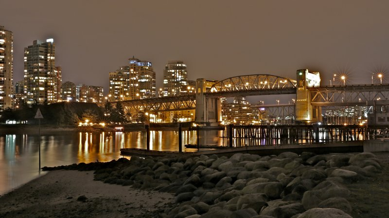 rsz_burrard_street_bridge_seawall