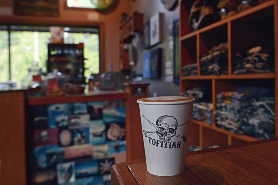 places to eat and drink in Tofino