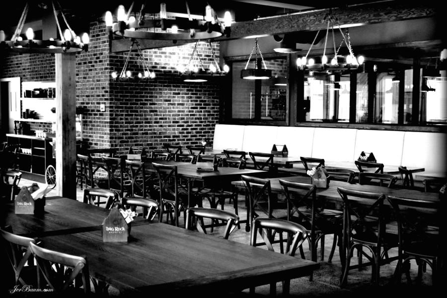 Big Rock Urban Eatery - Dining area